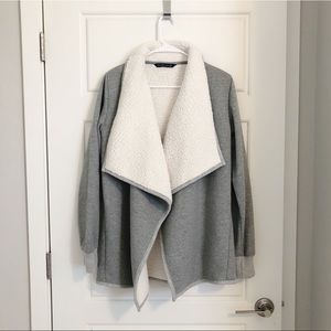 ABERCROMBIE & FITCH Sherpa Lined Grey Cardigan